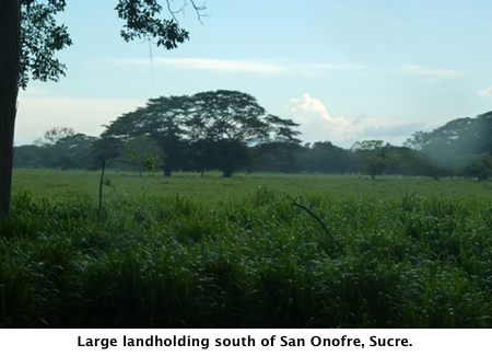 Large landholding south of San Onofre, Sucre